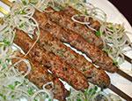 Люля- кебаб (с гарниром и соусом)