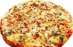 Пицца овощная с колбасой